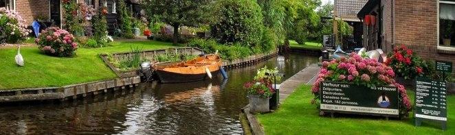 Dutch-Venice-Giethoorn-front